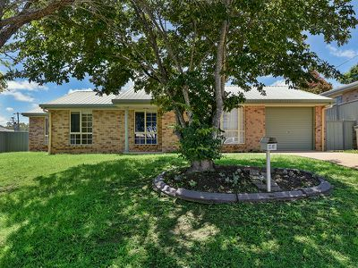 15 Giltrow Court, Darling Heights