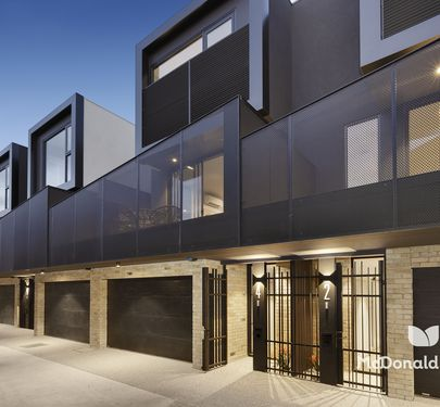 4 / 5 Wallace Crescent, Strathmore