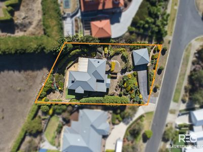 101-103 GROSVENOR DRIVE, Wandana Heights