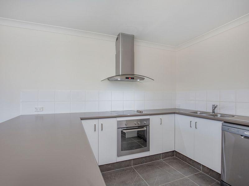 2022 / 6 Crestridge Crescent, Oxenford