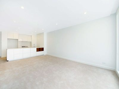 303 / 58 Peninsula Drive, Breakfast Point