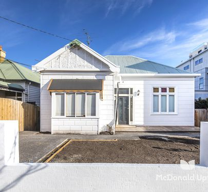 4 Clarinda Road, Essendon