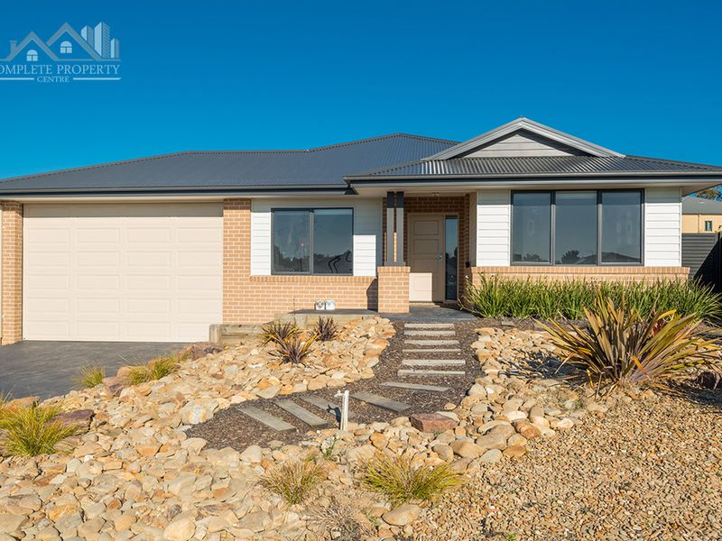 11 Yattarna Court, Broadford
