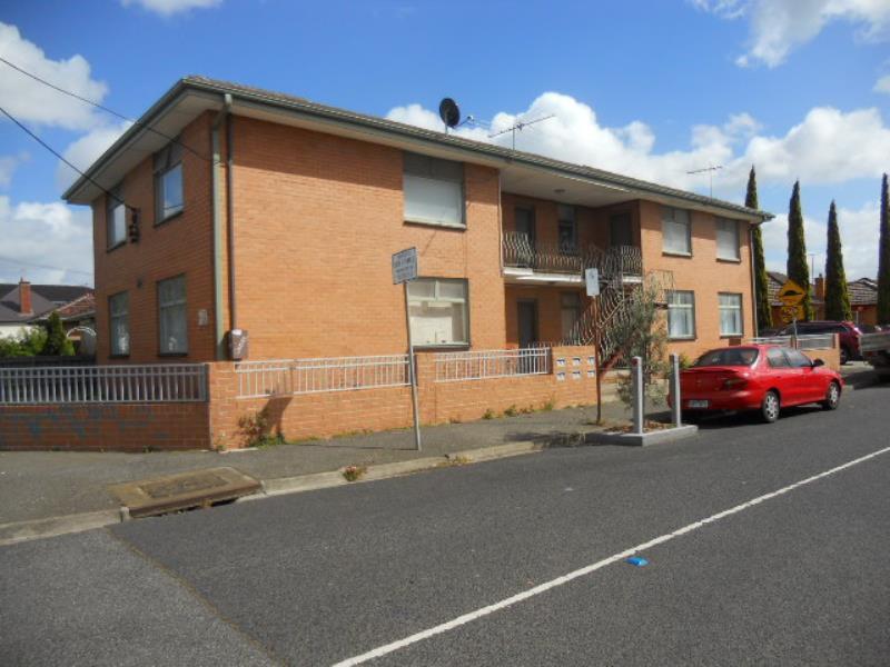 4/466 Barkly Street, Footscray
