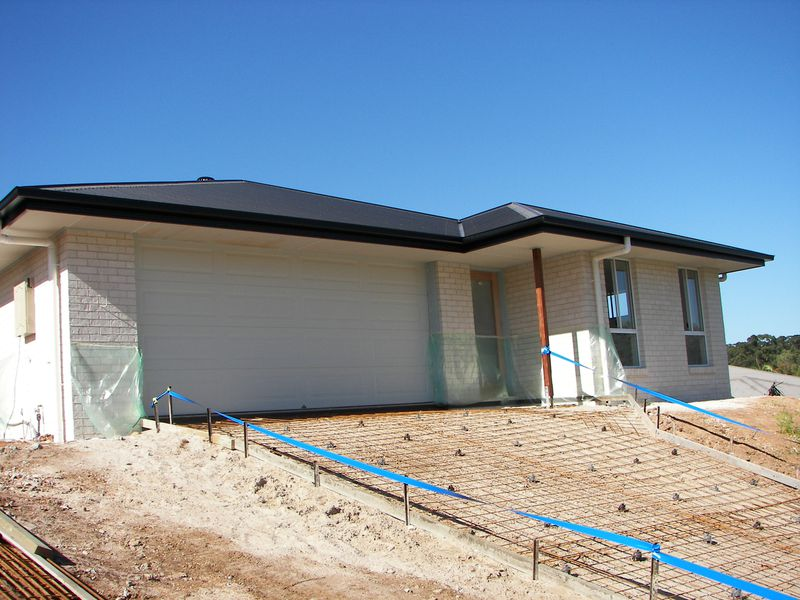 Brand New in Emerald Views ….Be in by Christmas!