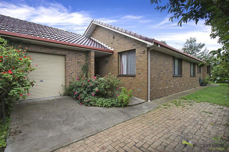 24 Coniston Avenue, Airport West