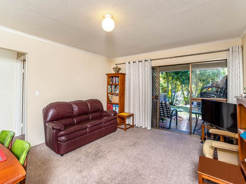 24 / 22-24 BARBET PLACE, Burleigh Waters