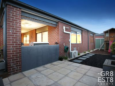 27 Trainers Way, Clyde North