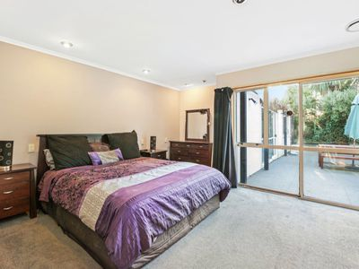 49B Lakewood Drive, Burwood