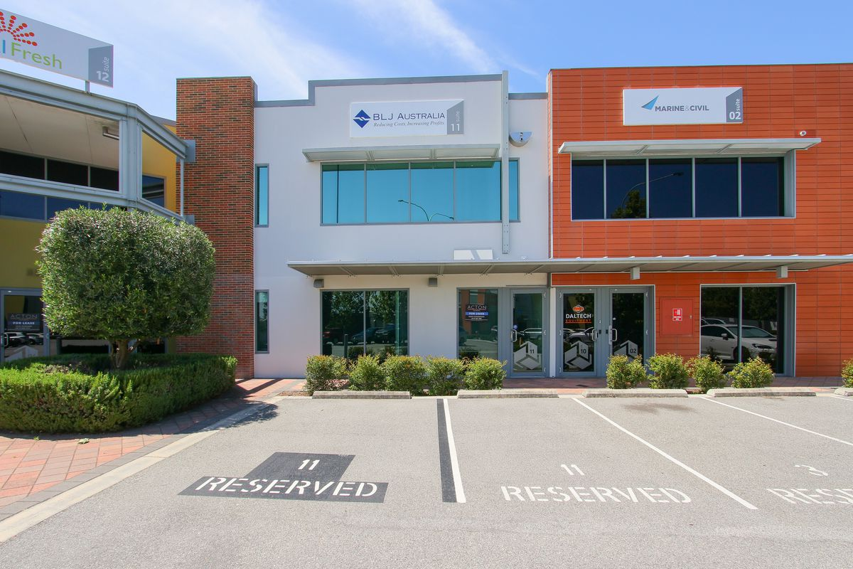 FABULOUS  143 m²  STRATA  OFFICE  IN POPULAR FORUM BUSINESS PARK
