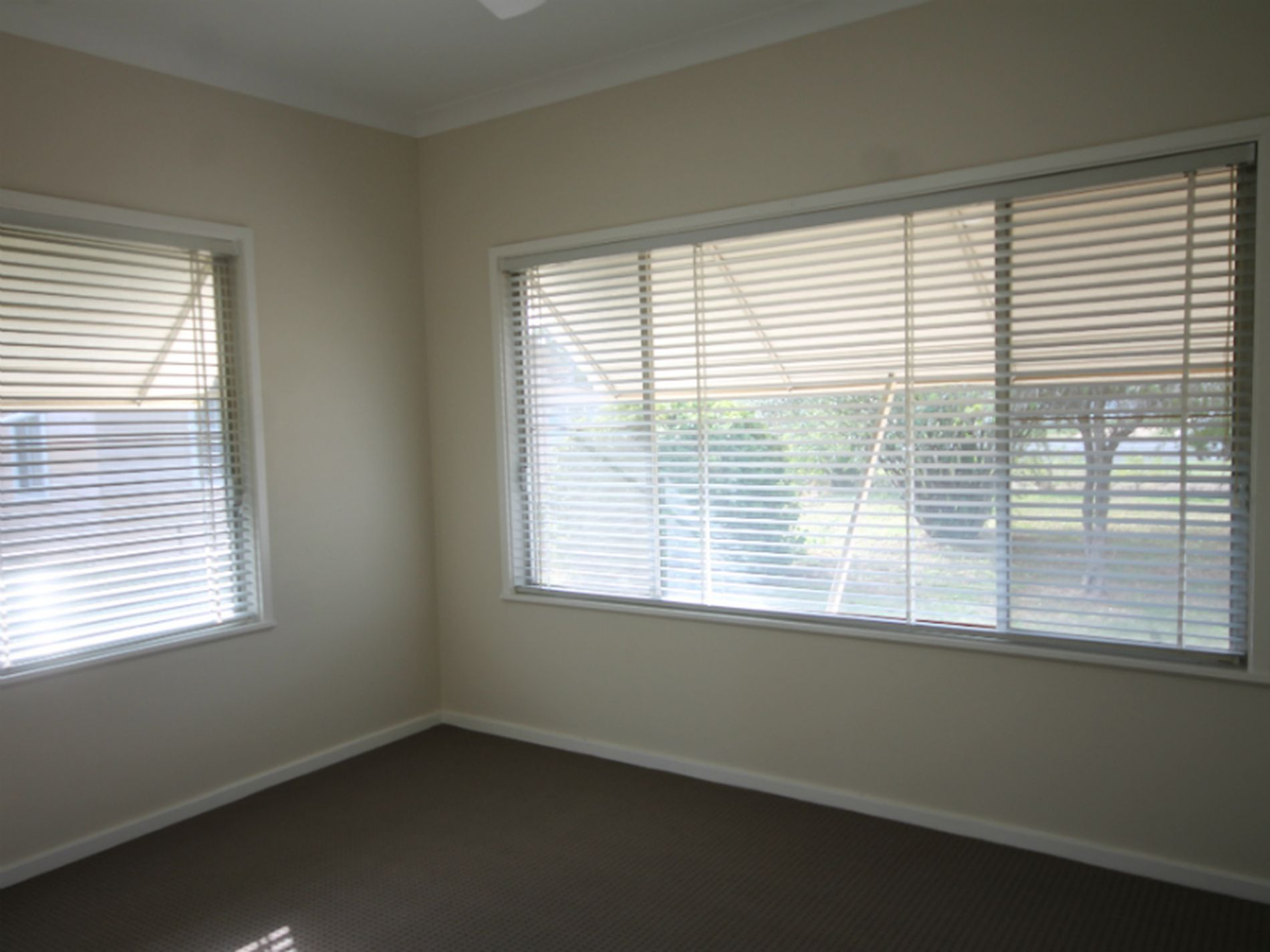 19-21 Golden Highway, Merriwa