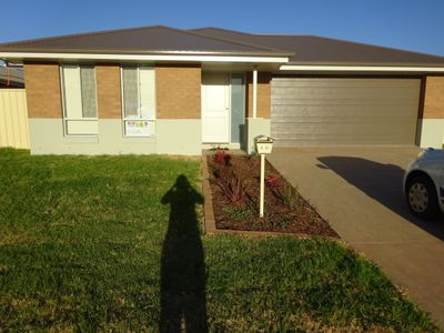 40 Madden Drive, Griffith