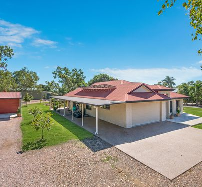 11 LORISTON ROAD, Mount Low