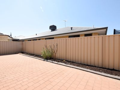 98 Amherst Road, Canning Vale