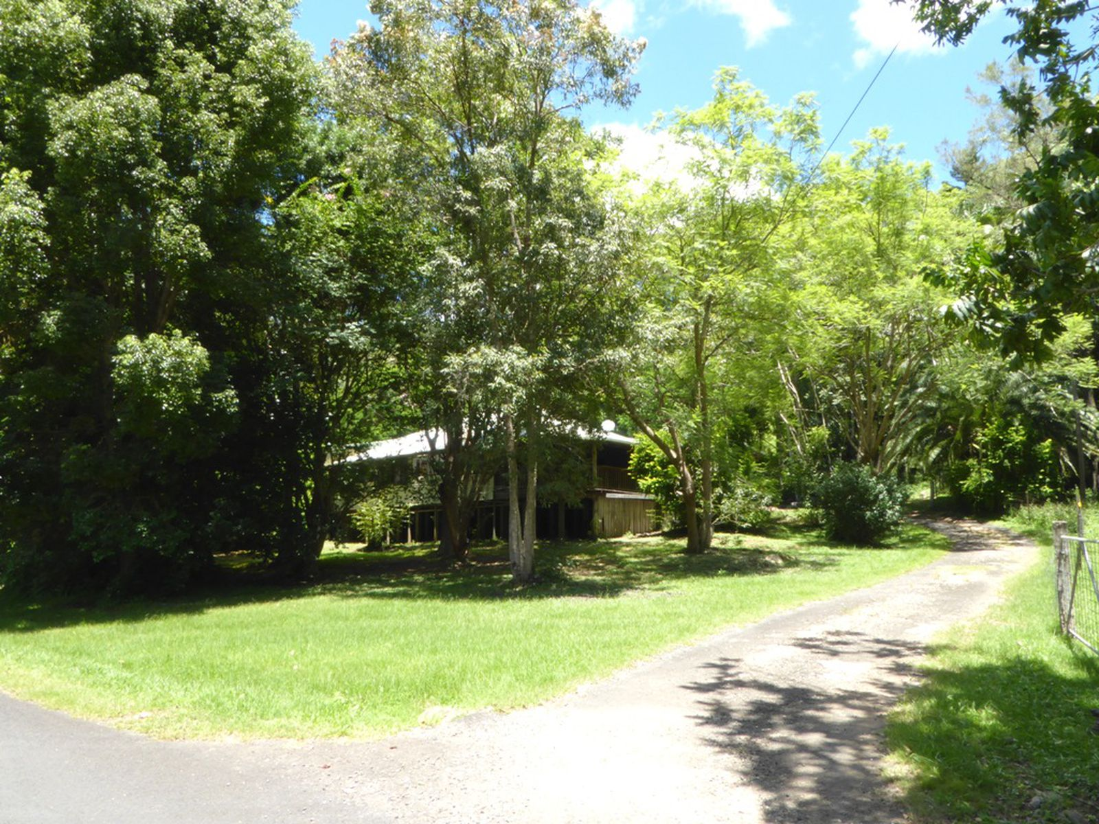 496 Rowlands Creek Road, Uki