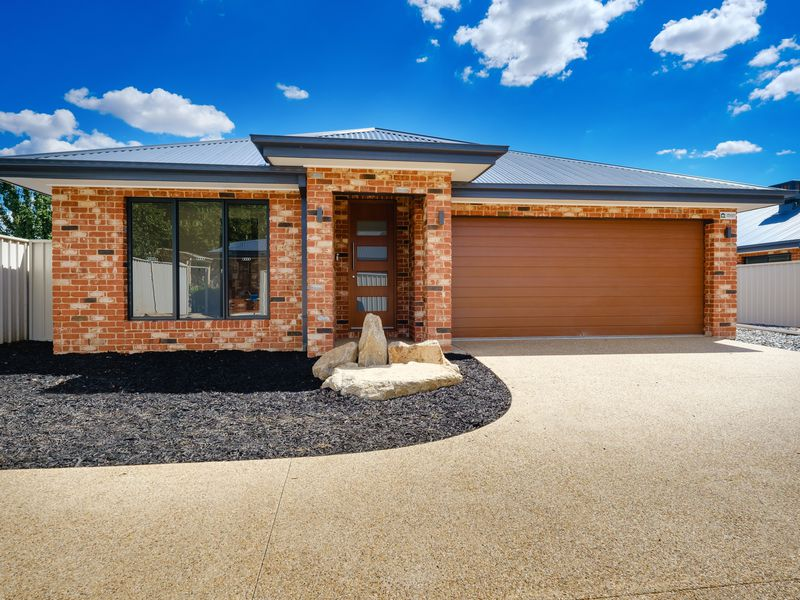 3 / 1 CASTLE CREEK ROAD , Wodonga