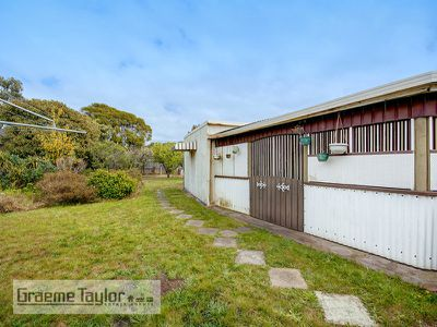 6 Anthony Street, Newcomb