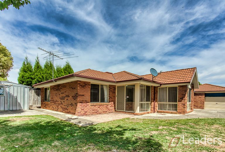 21 KINGS COURT, Wantirna South