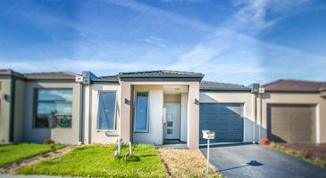 49A Wilkiea Cr, Cranbourne North