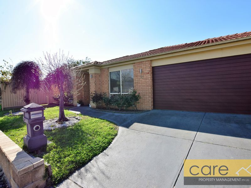 13 Peveril Crescent, Cranbourne North