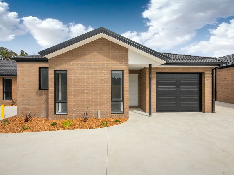 4 / 17 Regan Drive, Romsey 3434, Romsey