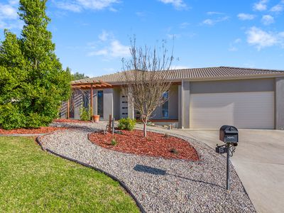 15 Crystal Court, Drouin