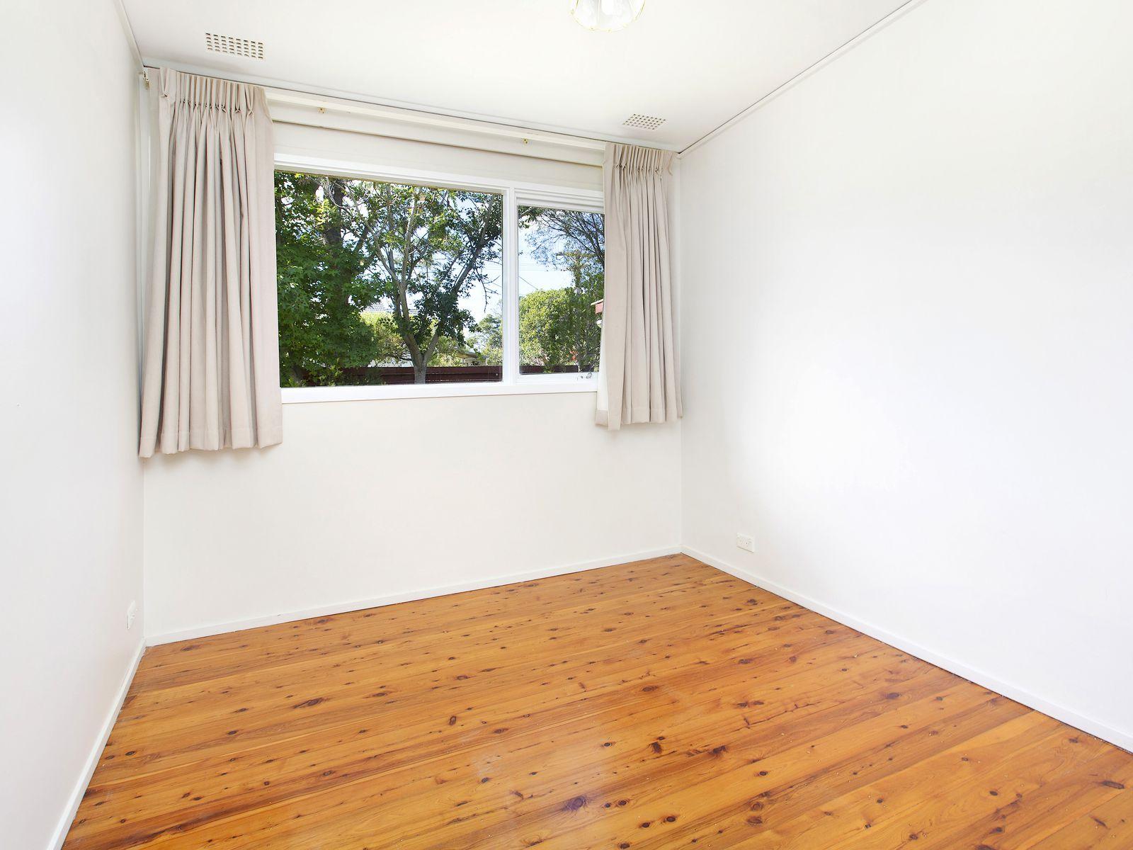 20 Iraga Avenue, West Wollongong