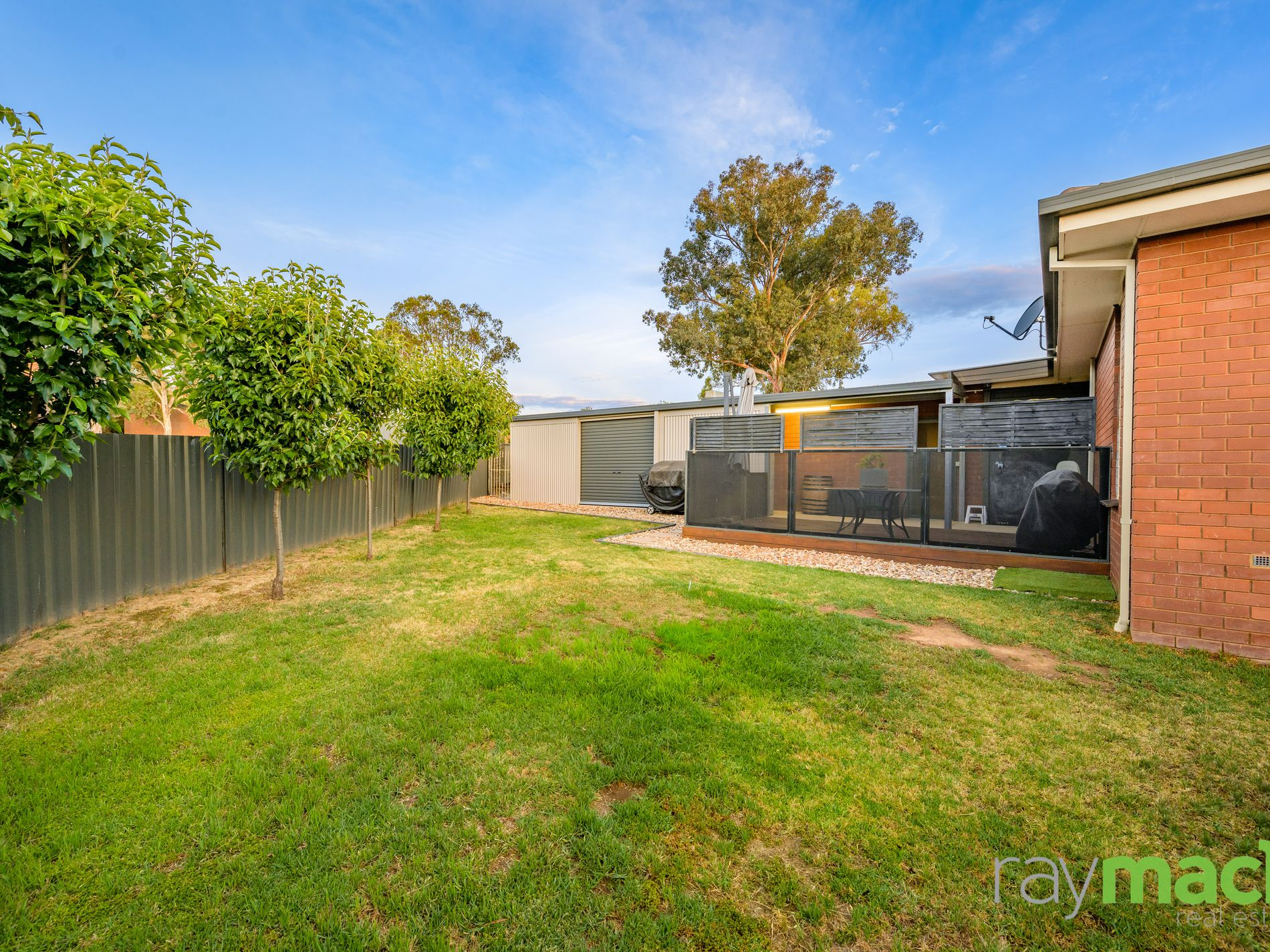 27 Aruma Crescent, Springdale Heights