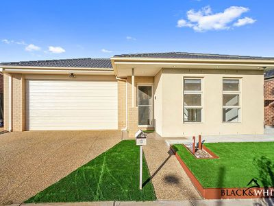 8 Maryburgh Road, Melton South