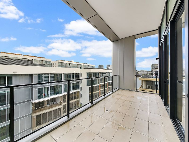 722 / 10 Half Street, Wentworth Point