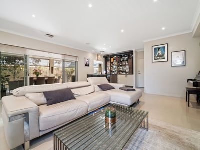 6 The Embankment, South Guildford
