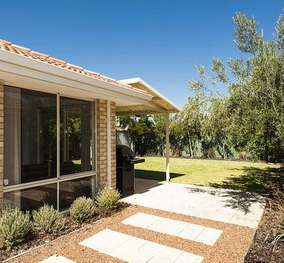 8  Nooyan Close, South Guildford