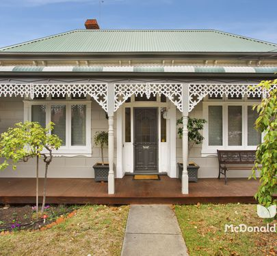 9 Glen Street, Essendon