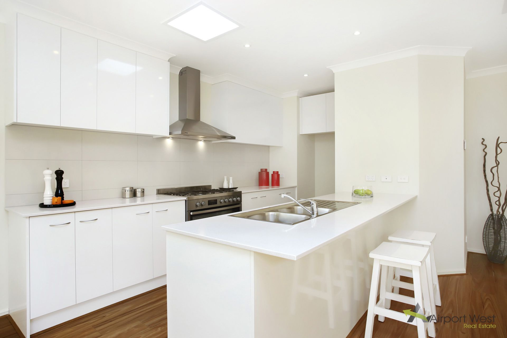 1 / 124 Marshall Road, Airport West
