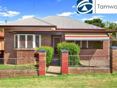 90 Bourke Street, East Tamworth