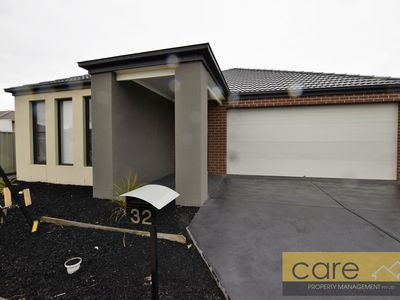 32 Yellow Robin Circuit, Cranbourne East