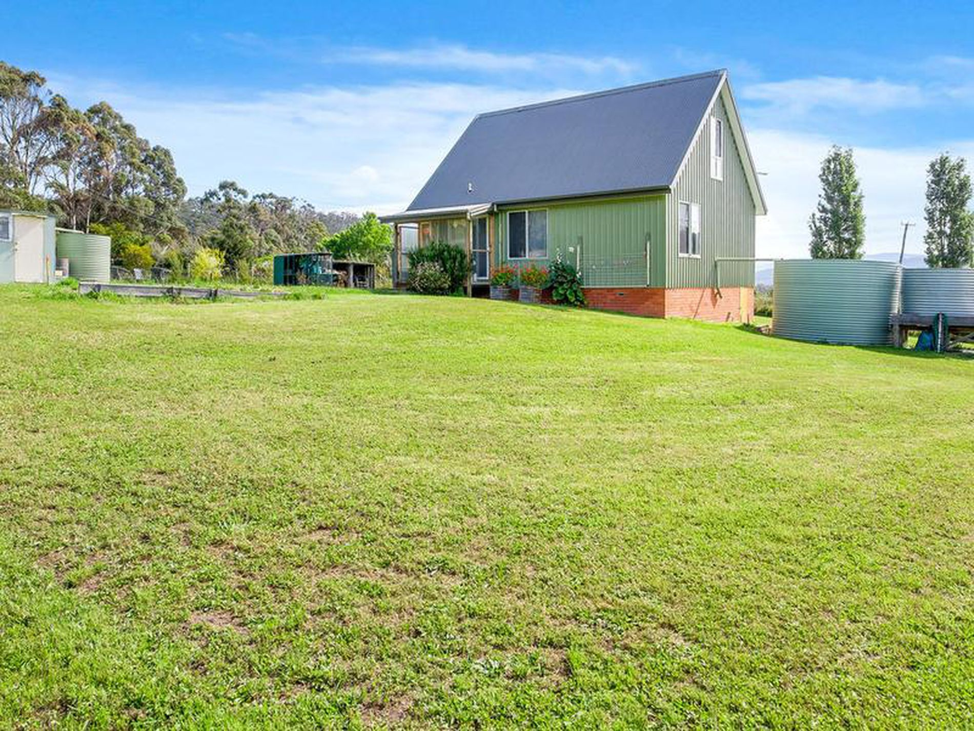 1058 Woodbridge Hill Road , Gardners Bay