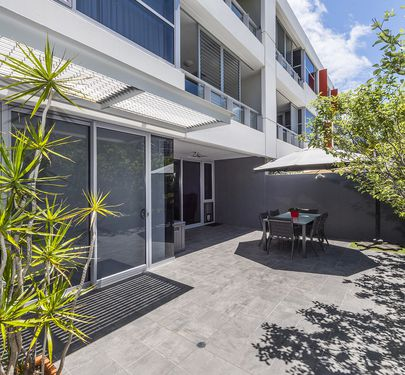 11 / 23 Bow River Crescent, Burswood