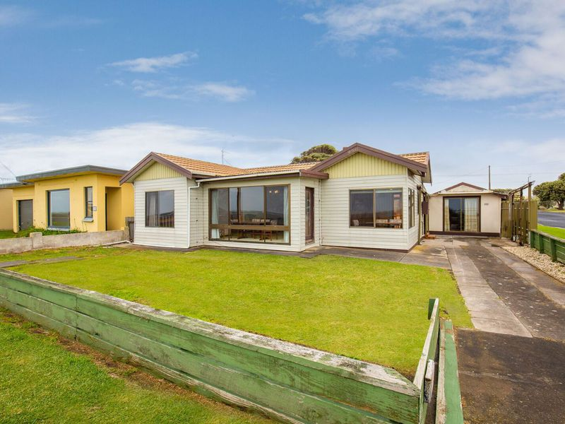 100 Sea Parade, Port Macdonnell