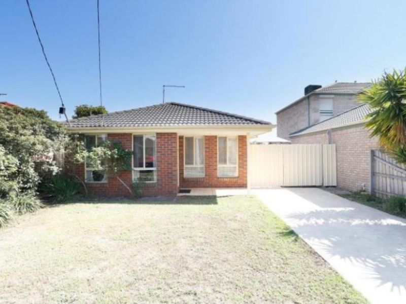 15 Lan Avenue, Altona Meadows