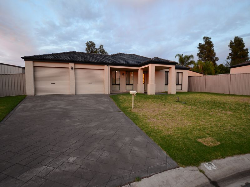 10 SWIFT COURT, Wodonga
