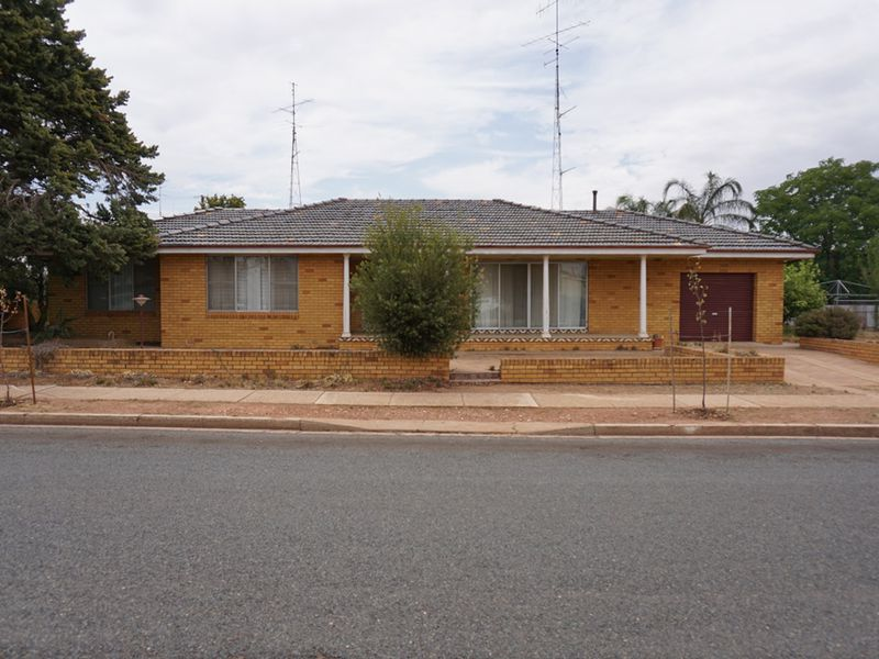 17 Shire Street, West Wyalong