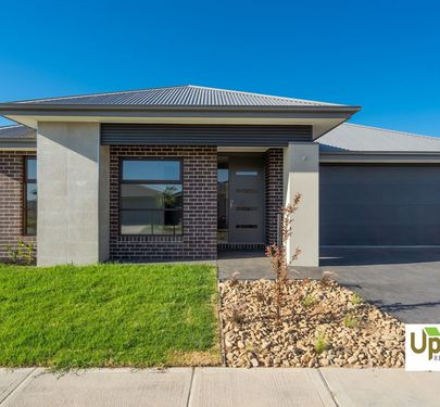 10 SAVAGE WAY, Clyde North