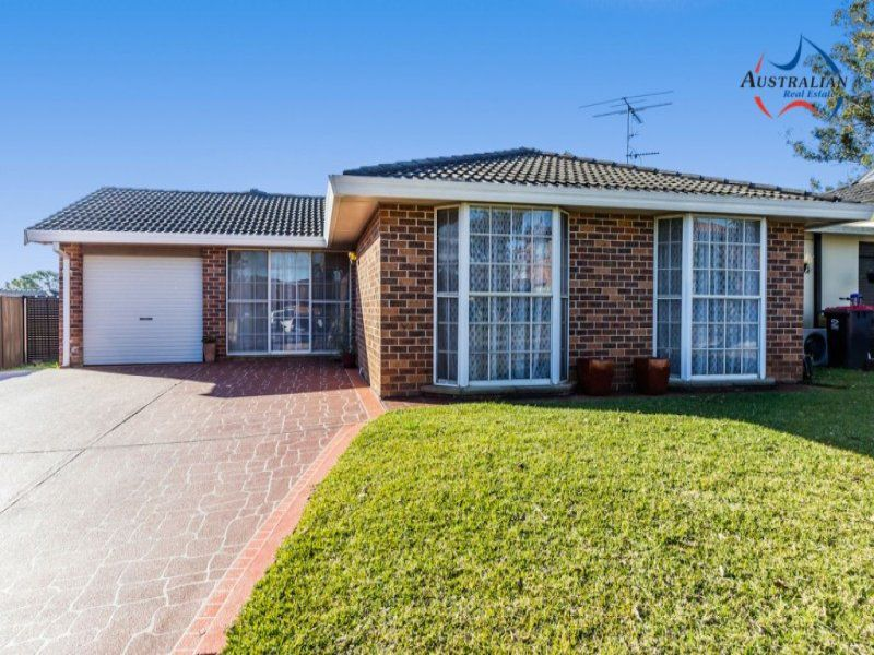 6 Kingfisher Way, St Clair
