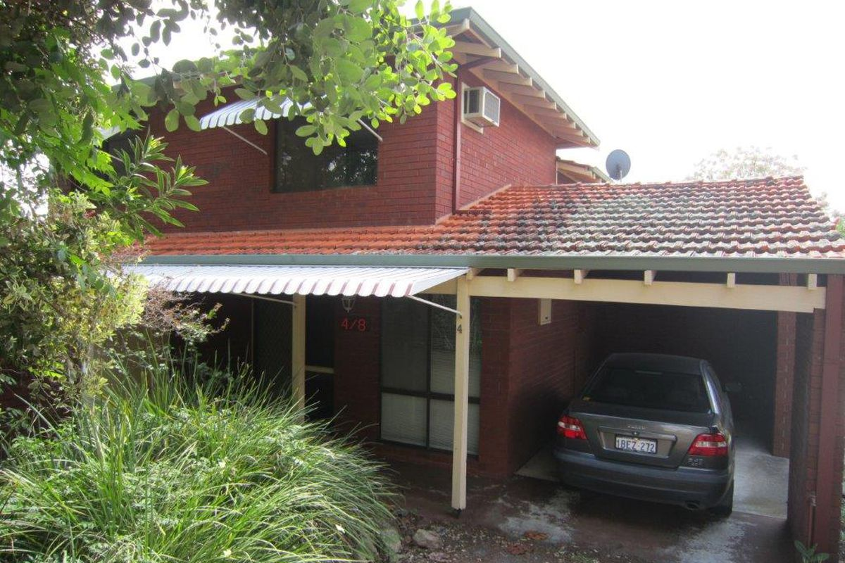 TOWNHOUSE IN APPLECROSS