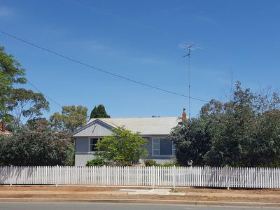 46 Main Street, West Wyalong