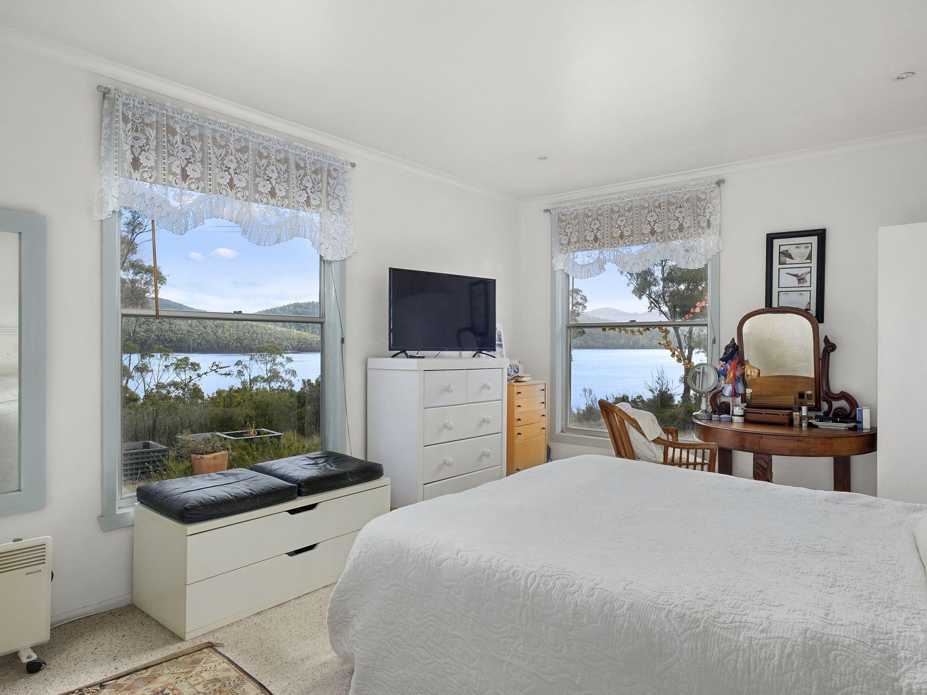 808 Cygnet Coast Road, Petcheys Bay
