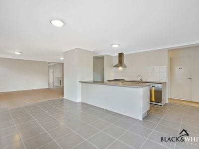 8 Casino Parade, Point Cook
