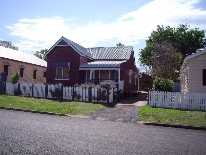 16 Allan Street, Toowoomba