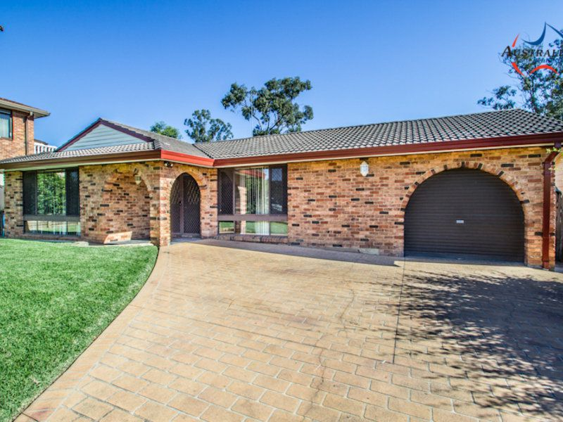 16 Kingfisher Way, St Clair